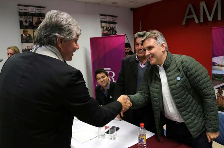 Firman Contratos para la Red Troncal de Gasoductos